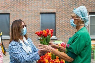 Tulpenpluk voor de zorg